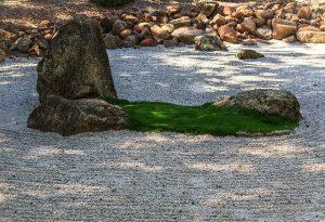 Zen-Garten Steine Kies Moos